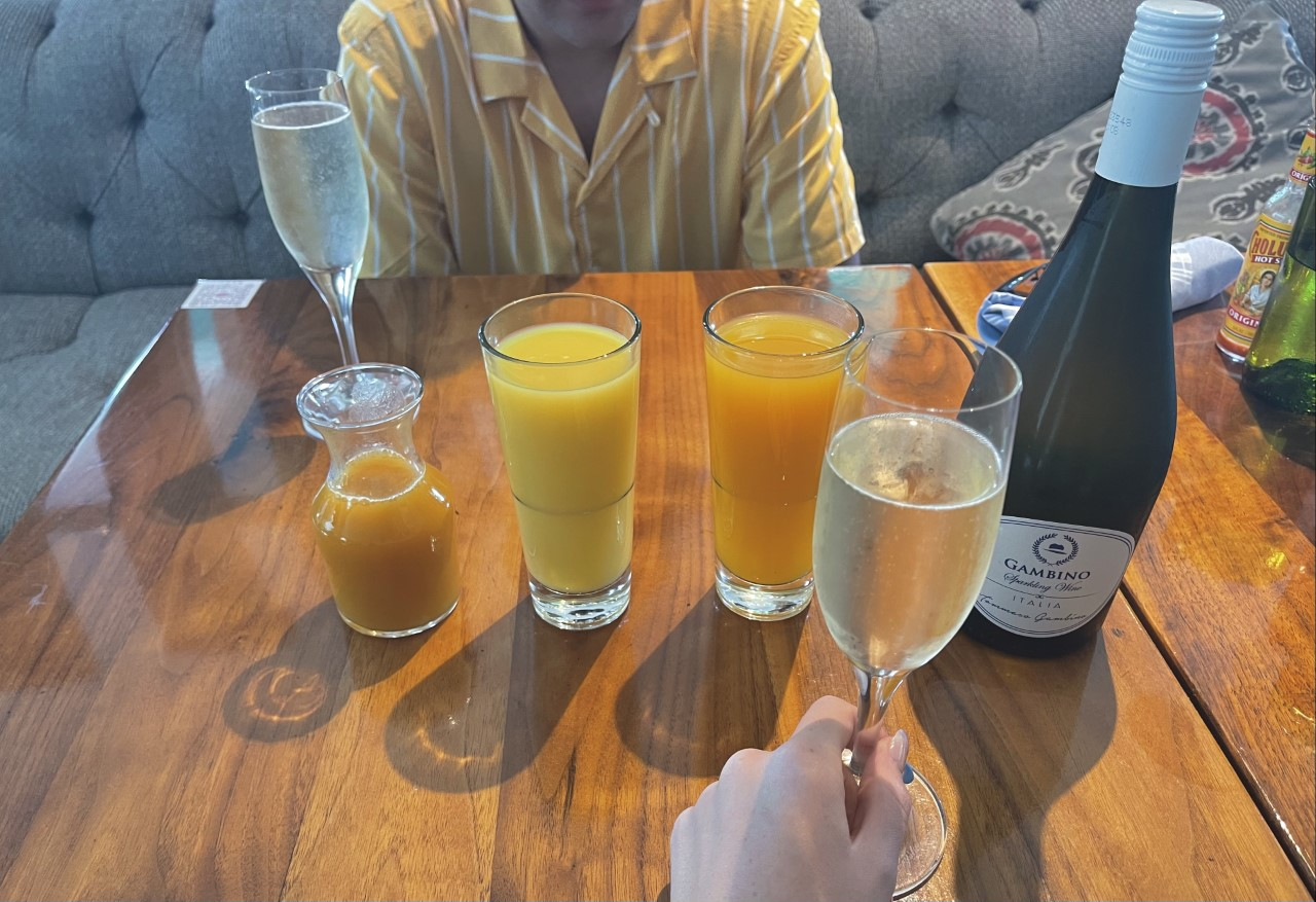 Champagne and wine Drinks